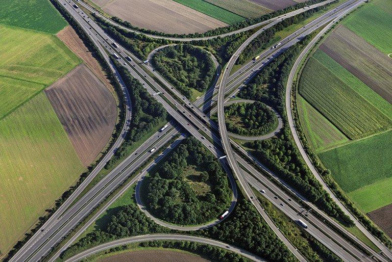 Luftaufnahme vom Autobahnkreuz bei Ulm-Elchingen, Kreuzung der Autobahnen A7 und A8